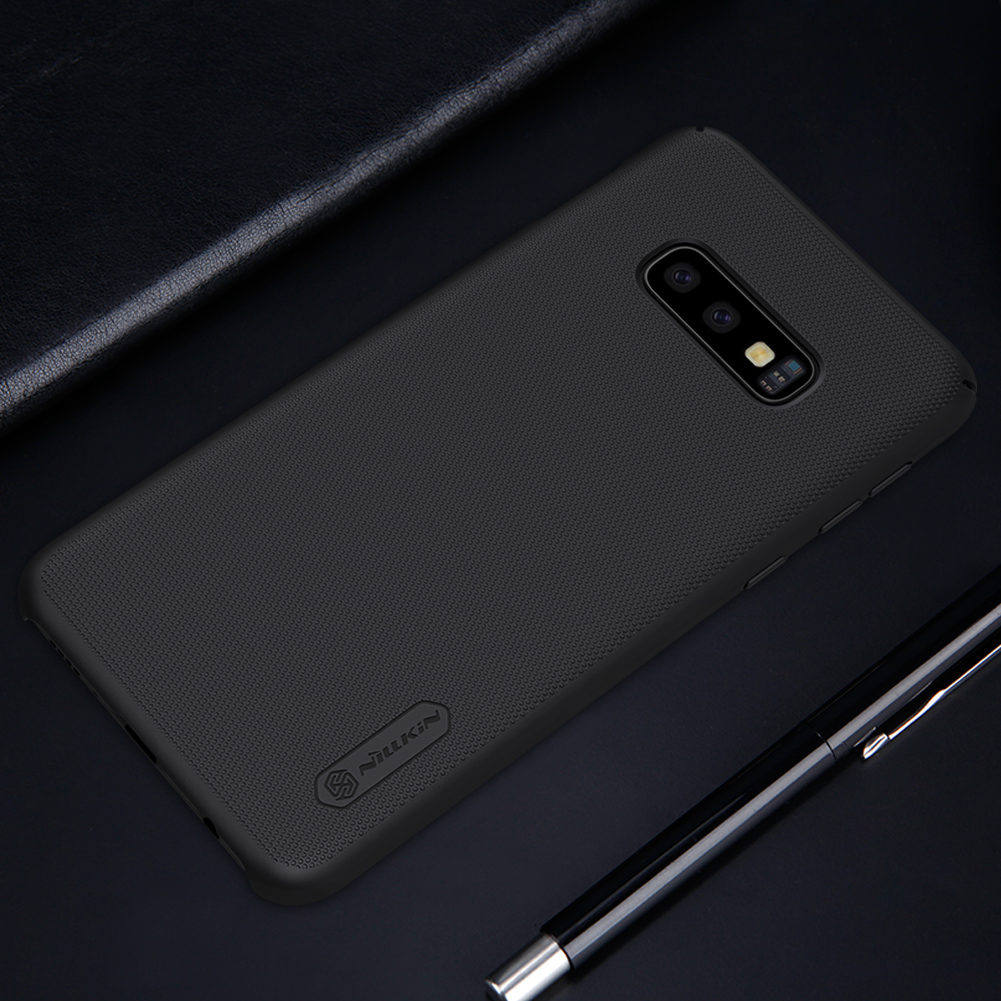 Etui Nillkin Frosted Shield dla Samsung Galaxy S10e - Doskonale leży w dłoni