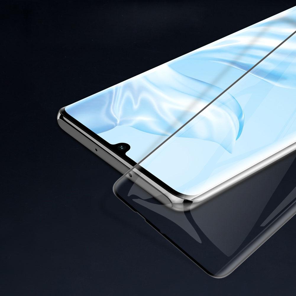 Szkło NILLKIN Full Glue 3D DS+ MAX dla Huawei P30 Pro - Szkło skonstruowane zostało w taki sposób, aby być kompatybilne z praktycznie każdym etui dostępnym na rynku, z tego powodu, nie pokrywa ono w całości bocznych krawędzi ekranu.